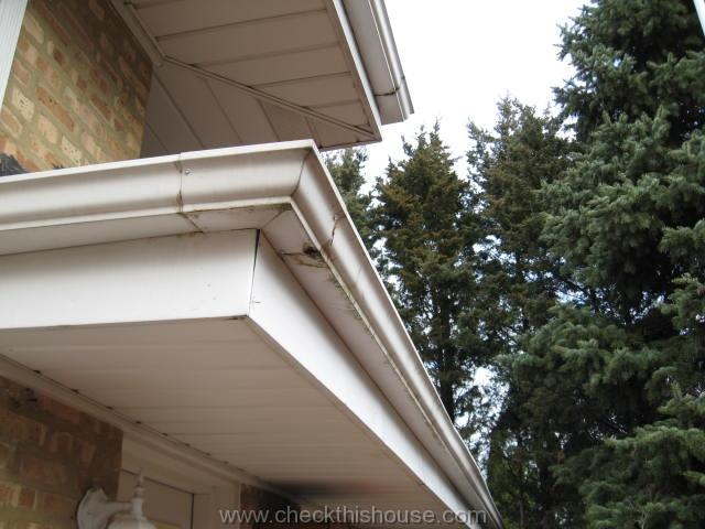 Rain gutter maintenance - leaking gutter corner seams